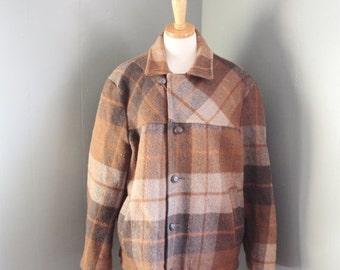 50% half off sale // Vintage 60s PELHAM LUMBERJACK Flannel Shirt Jacket - Men M L - Brown Tan Plaid