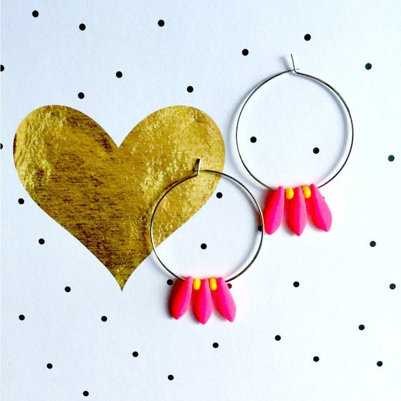 Hoop earring, brass, nickel free, earring, with oval, glass bead, yellow, pink, neon, fluo, les perles rares