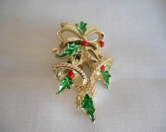 Vintage Gerrys Gold Tone Bells and Holly Berrys  Holiday Pin Brooch