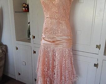 1980s  Peachy Pink Floral Lace & Satin Bridesmaid Steampunk Prairie Prom Woodland Wedding Ankle Length Dress Sz 3