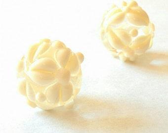 Ivory Flowers - Handmade Lampwork - UK - SRA