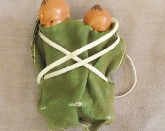 Vintage Dolls Twin Papoose Babies