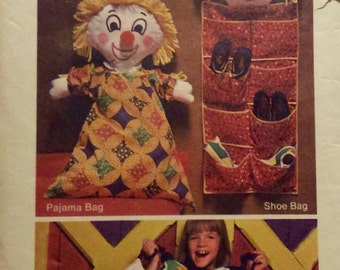 Vintage Sewing Pattern Room OrganizerTransfer Pattern 1970's Toy Pajama Shoe Bags