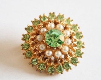 Green crystal brooch. Vintage brooch. Crystal and pearl brooch. Small brooch