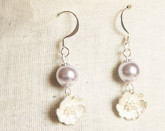Handmade Lavender Flower Earrings Lavender Earrings Purple Flower Purple Wedding Swarovski Lavender Pearl Lavender Bridesmaid