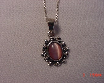 Vintage Sterling Silver Necklace With Pink Stone Pendant  16 - 832