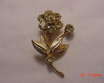 Vintage Rhinestone Flower Brooch    16 - 81
