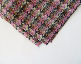 Vintage Fabric / 1950s Fabric 1960s Fabric / Wool Fabric / Plaid Fabric / Tweed Fabric Fall Winter Cape Coat Pillow Fabric Pink Houndstooth