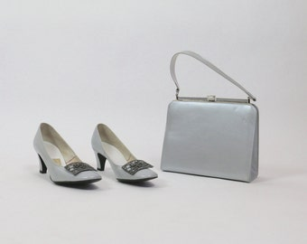 Vintage Shoes / 1960s Shoes Purse Set / MOD Shoes / Grey Shoes Gray Shoes Silver Shoes Heels Handbag Bag