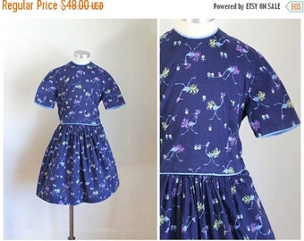 40% OFF back2school SALE vintage 1940s little girl's dress - STORK bird novelty print dress / 8-9yr