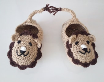 Camel and Brown Crochet lion booties, house shoes-Crochet Baby Booties-for Baby or Toddler-Crochet Baby Lion Booties-boy slippers-animal