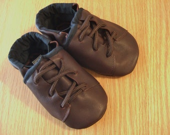 """brown baby boy """"work boot"""" shoes 6-12 month/ size 4 leather country boy booties with laces"""
