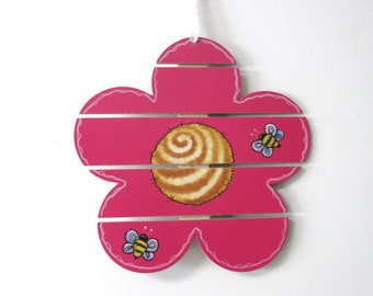 Pink Flower with Bumble Bees, Tole or Hand Painted, Slat Flower, Spring Decoration, Hanging Decoration, Door Hanger,Wood Wall Hanging,Spring
