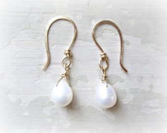 Freshwater Pearl Earrings, Bridesmaids Earrings, White Pearl Drops, Wedding Jewelry, Gold Filled Earrings, Natural Pearl Earrings, Bridal