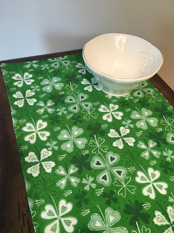 St patrick 39 s day table runner 36 90 clover by linensbymichele for Shamrock decorations home