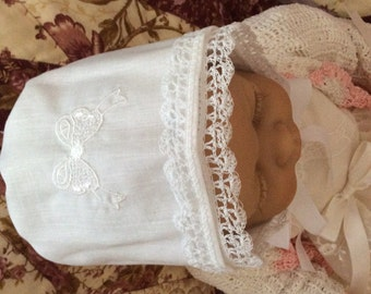Magic Heirloom HANKY BONNET WHITE Hand Crochet Lace Converts to Wedding Handkerchief  Embroidered Lace Bow
