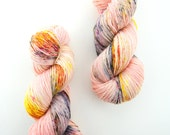 Tiger Lily - 4 Ply Sock Yarn - peach and yellow yarn with multicolor speckles - fingering weight superwash wool