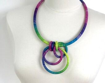 Interlock Long Necklace Freesia