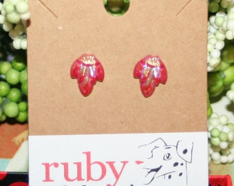 Vintage glass sterling post stud earrings opaque cherry red ab leaf 10
