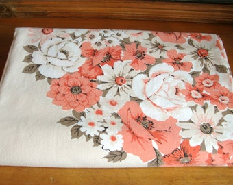 Vintage Printed Florals Med Century Mod Kitchen Tablecloth 52 X 64