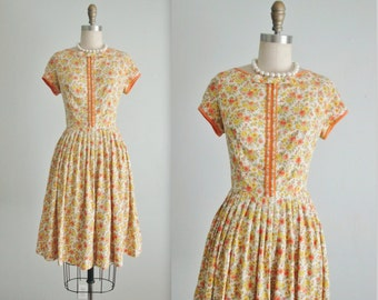 50's Floral Dress // Vintage 1950's Yellow Orange Floral Print Cotton Full Casual Dress S