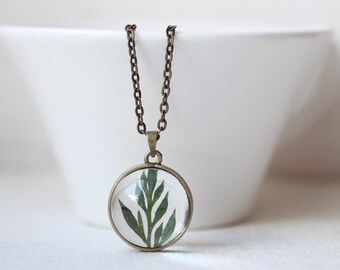 Green Leaf Necklace - Botanical Jewelry - Resin Orb Necklace - pressed leaf