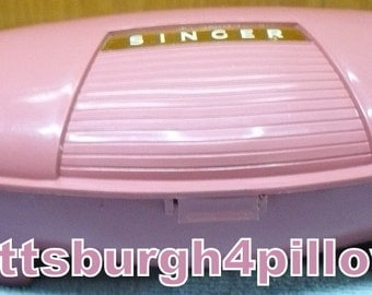 Singer - Buttonholer - Sewing Machine Parts -  Manual Included (Pink Left  ) - 1960's - Model 489500 Or 489510 - Case In Great Condition