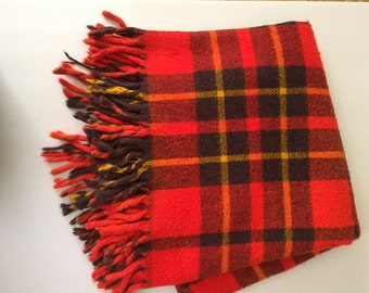 Vintage Red Farbio Fluff-Loomed Lap/Throw Blanket w/Fringe Tartan Plaid Stadium Travel