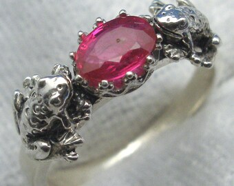 2 Frogs Ring, Natural Pink Sapphire, Recycled Sterling Silver, September, Virgo birthstone