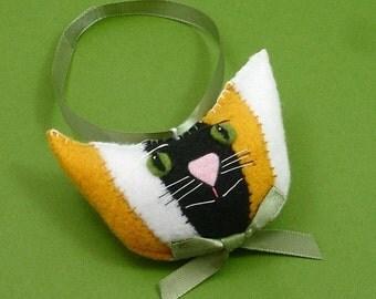 Christmas Cat Ornaments, Felt Cats, Cat Head Christmas Ornament, Tri-color Cat, Cat Christmas, Cat Christmas Ornaments, NUTMEG