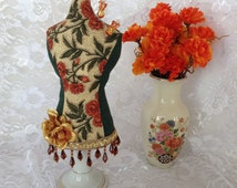 Table Top Pin Cushion Mannequin