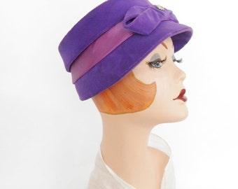 Vintage 1950s hat, purple lavender toque with rhinestone