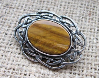 Tiger's Eye Celtic knotwork oval brooch - pewter Celtic knots with golden brown stone