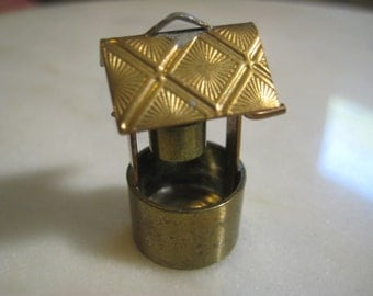 Vintage Brass Wishing Well Pendant Drop:  Jewelry Finding, Pendant, 1 3/8 Inch Tall, 1 Piece