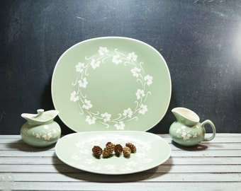 Green and Cream Ivy Platters and Cream and Sugar