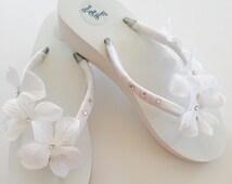 WHITE Bridal Flip Flops.Wedding Flip Flops.Wedged Flip Flops.Beach weddings.Wedding Shoes.Bridal Shoes.Flip Flops