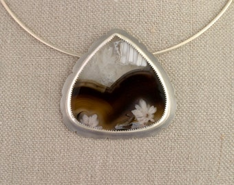 Floral Agate Necklace Pendant Flower Statement Silver Black White