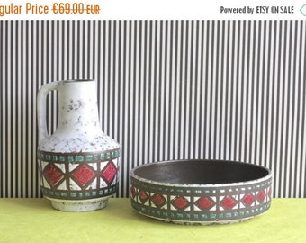 Summersale Vintage East German Pottery Set of Vase and Bowl by Strehla White with Burgundy and Green Geometric Pattern