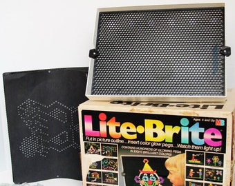 Vintage Lite Brite Toy MIlton Bradley with Blank Refill Sheets and Pegs