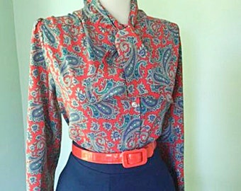 Flirty VINTAGE 1950s 1960s Red & Blue ATOMIC Floral  Paisley Button Down Long Sleeve Blouse w Ascot Tie Neck