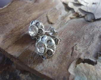FLOWERS PLUG with CRYSTAL petite stud earrings (1724)