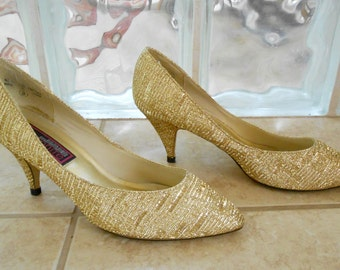 Vintage 1990s CU TONITE metallic gold lame pointy-toed high heels, size 8