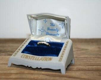 Vintage 1940s Wedding Ring Box Clam Shell Art Nouveau Revival Cream 1940s