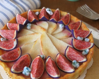 Felt Food Fig, Pear and Bleu Cheese Tart