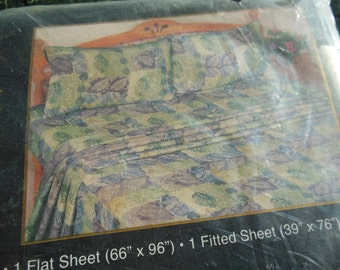 Twin Sheet Set, 3 PC Leaves Print on Pastel, Fitted, Flat & 1 Case By Signature, New Old Stock