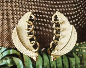 Vintage Earrings Leaf Design