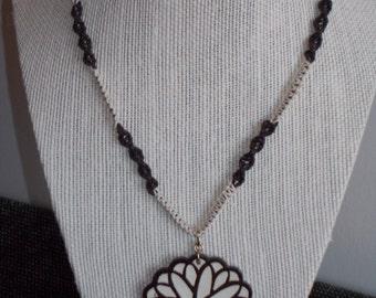 "OOAK Macrame Necklace / Jewelry - ""Spirograph"""
