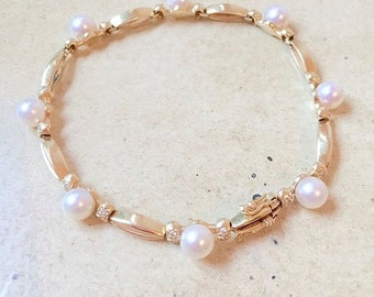 80's Vintage 14 Karat Gold Diamond & Pearl Bracelet