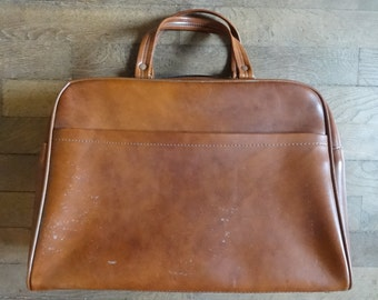 Vintage English Man-Made Materials St Michael Brown Weekender Sports Carry Holdall Carrier Luggage Bag circa 1970-80's / English Shop