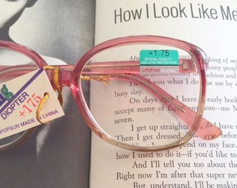 Vintage JACKIE O Glasses..reading. classic. groovy. twiggy. mod. retro glasses. librarian. secretary. woodstock. oversized